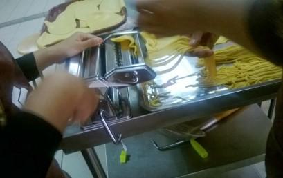 Jabatan Pemprosesan Makanan – Penghasilan Mee Kuning