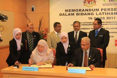 Majlis Menandatangani Memorandum Persefahaman Bidang Latihan Pertanian