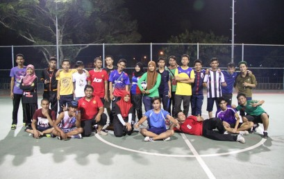Perlawanan Futsal Antara Pelatih dan Kakitangan